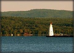 Ashland - Lake Superior - Wisconsin (Luiz Felipe Castro) Tags: copyright usa lighthouse wisconsin faro photo foto photographer picture greatlakes farol ashland wi lakesuperior reservado luizcastro luizfelipecastro luizfelipedasilvadecastro abigfave lagosuperior grandeslagos ashlandcounty llmswiashland