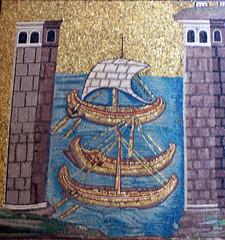 Naus, Sant'Apollinare Nuovo, Ravenna (Sebasti Giralt) Tags: port puerto boat mosaic transport iglesia mosaico nave ravenna transporte nau curch cristianismo christianism esglesia cristianisme