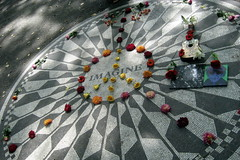 NYC - Central Park: Strawberry Fields - Imagin...
