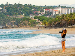 Puerto Escondido (konaboy) Tags: beach girl mexico video pretty babe oaxaca zicatela palapa puertoescondido videographer 25180