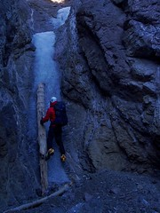 Log Pitch (Dru!) Tags: energizer goldpanprovincialpark slotcanyon iceclimbing narrow frozen log cold volcanicrock thompsonriver stemalot ice climbing bc britishcolumbia canada
