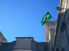 Bandeira na ponte / Flag in the bridge (r0drig0 FL0res) Tags: brazil bandeira brasil ponte riobranco fronteira jaguaro