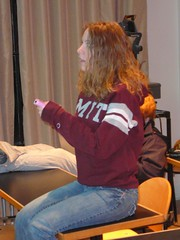 erica tries out the Wii (alist) Tags: student mit videogames 02139 wii robison comparativemediastudies cmsmit