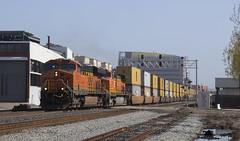 Eastbound Port Train (imartin92) Tags: emeryville california bnsf railroad railway freight train ge generalelectric es44ac gevo c449w dash9 locomotive