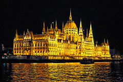 _MG_4626_DxO (carrolldeweese) Tags: budapest hungary night