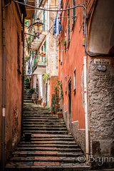 Monterosso-2138.jpg (BrynnAvon) Tags: path 2descriptors building art street 3subject cityscape town colour culture morning urban pentax house 1specs architecture stairs ba54 clothes hdr k1