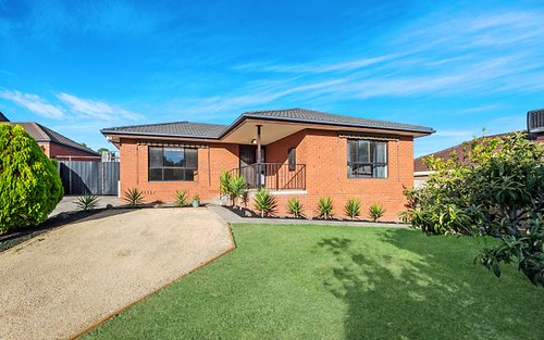 17 Whitfield Ct, Mill Park VIC 3082
