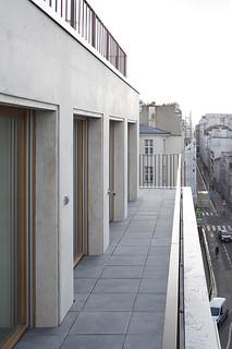 Immeuble de logements. Armand Nouvet architecte, 2018. Rue Pajol, Paris 18.