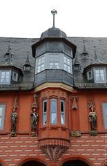 Hotel Kaiserworth, Markt - Goslar (Rick & Bart) Tags: goslar germany deutschland niedersachsen city urban rickvink rickbart canon eos70d historic architecture unescoworldheritagesite street streetphotography marketplace markt hotelkaiserworth guildhouse