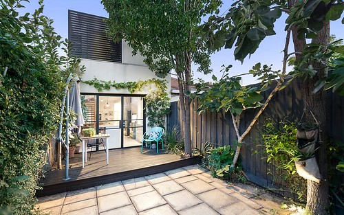 27 Ivan St, Fitzroy North VIC 3068