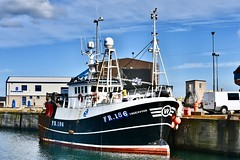 FR156 Endeavour - Fraserburgh Harbour Scotland - 19/4/2018 (DanoAberdeen) Tags: endeavour fr156endeavour danoaberdeen harbour fish fishing trawler trawlermen candid amateur autumn summer winte spring 2018 scallops salmon trout mackrel trawlers fishingboat bluesky nikon aberdeenshire aberdeen grampian northeastscotland shipspotting northsea seafarers maritime fishauction bonnyscotland fishtown fishingvillage thebroch broch fraserburghscotland dock boat ship vessel fraserburgh thebrooch highlands cod shellfish fishingtown scottishtrawlers fishingtrawlers whitefishport whitefish haddock creels