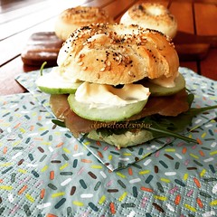 Bagels http://www.denisefoodesigner.com/en/2018/06/20/bagels-2/ (www.denisefoodesigner.com) Tags: foto mangiare cucinare cuisine dejeuner delicieux pão マグロ thon 참치 mittagessen lecker lekker middag delicia sabor gusto tasty today summer fresh tonno tuna sandwich snack cibo comida food delicious bagels bagel pane bread