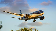 AZERBAIJAN AIRLINES DREAMLINER B787-8 (lavierphilippephotographie) Tags: azerbaijanairlines plane airplane aircraft airline airliner lhr heathrow boeing dreamliner b787 b788 b7878 sunset arrival landing