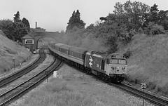 Norton Junction (Wulfruna Kid) Tags: 50021 rodney class50 englishelectric nortonjunction worcester cotswoldmainline signalbox 1988