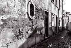 Faro - Portugal - 6 (rossendgricasas) Tags: portugal faro bn bw street streetart light ligthtroom photographer photoshop monochrome noperson nikon