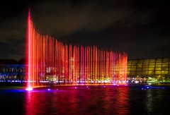 Dancing fountain III (Rudi und Ellen) Tags: dancing fountain fontäne water wasser hotel okada manila dancingfountain night nacht