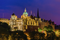 The Museum on the Mound (Blue Hour) (Uillihans Dias) Tags: edinburgh scotland unitedkingdom gb princestreet architecture nightexposure nightphotography nikon d750 70300mm