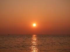 Crosby sunset (Puerto De Liverpool.) Tags: crosby liverpool merseyside liverpoolbay liverpoolcityregion sunset thesun sunlight dapple reflections nature