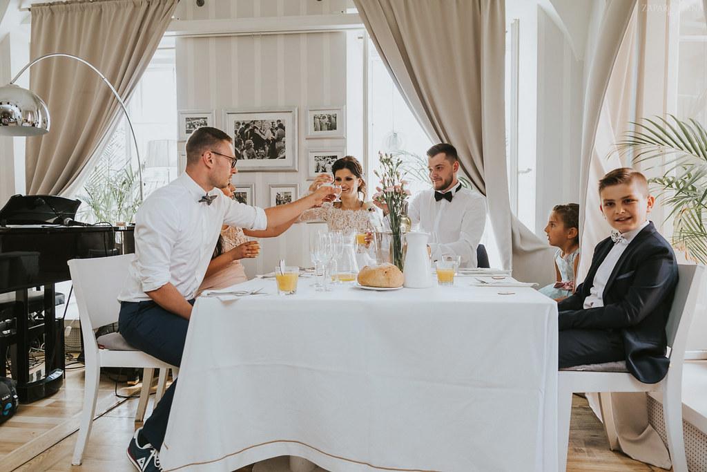 356 - ZAPAROWANA - Kameralny ślub z weselem w Bistro Warszawa