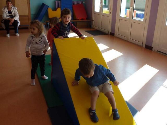 Photo 3 - Les enfants du multi-accueil découvrent l'école