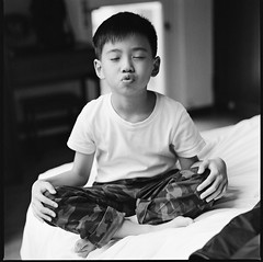 000913100006 (Steven Tsai (正港蔡爸)) Tags: hasselblad501c hasselblad planar135f100mm kodak400tx bw mediumformat analog film filmphotography