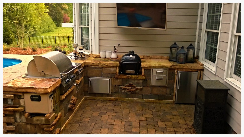 Custom Fire Magic and Primo Outdoor kitchen. Chattanooga, Tn.