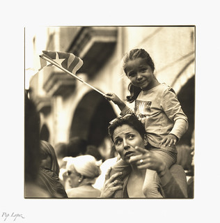 Mother & child (catalan independence movement)