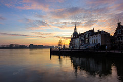 """Het Groothoofd"" - Dordrecht 2018 (Wilma v H- Back from Beara in Ireland! Behind!) Tags: groothoofddordrecht groothoofd 2018 sunrise dawn crackofdawn oudemaasrivier zonsopkomst zonsopgang skies clouds dordrecht nederland netherlands canoneos60d tokinaatxprodxfordigitalslr1228mmf4aspherical luminositymasks tkactionsv6panel outdoors waterscapes landscapes water rivers dutchlandscape"