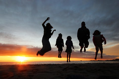 5th April - sunset jumping (*superhoop*) Tags: southafrica campsbay sunset me nick megan eli thea silhouette hpad050418 hpad hpad2018