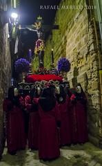 Pasando estrecheces #explored 5-abr-2018 (Guervós) Tags: yedra cristo crucificado hermandad cofradía miércolessanto baeza jaén semanasanta astesantua setmanasanta holyweek semainesainte karwoche settimanasanta wielkitydzień страстна́яседми́ца mahalnaaraw 圣周 noche night nuit notte religión religion tradición tradition folklore andalucía españa spain andalusia espagne spanien spagna 西班牙 espanya स्पेन ہسپانیہ espainia espanha spanje procesión procissão processione procession processó prozesio шествие 遊行 procesio processie prozession procesja jesús jesus gesù jesucristo jesuschrist 耶稣 jésus christ иисус христос christus يسوع ישו