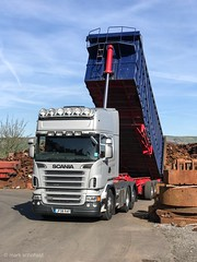 JF08RAF  Scania R620 tipping at JB Schofield's at Huddersfield (Mark Schofield @ JB Schofield) Tags: scania v8 tipper tipping working jb schofield scrap scrapmetal cast iron steel metal recyclers processors huddersfield linthwaite brake discs