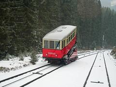 Bergbahn in Oberweißbach (1) (menzelhd) Tags: oberweisbach thüringen bergbahn standseilbahn seilbahn winter frühling schiene