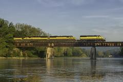 BH-0 crossing the Chenango River (Thomas Coulombe) Tags: susquehanna nysw emdsd33eco sd33eco bh0 freighttrain train chenangobridge chenangoriver newyork trestle