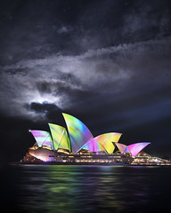 Vivid mood (Jay Daley) Tags: sydney sydneyharbour vividsydney opera house australia nsw night nightphotography moon longexposure