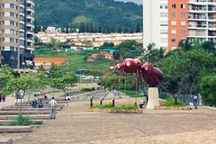 Hormiga Culona (demianbuc) Tags: hormiga culona escultura hierro neomundo santander bucaramanga monumento