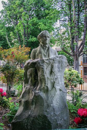 Statute of Horace Wells