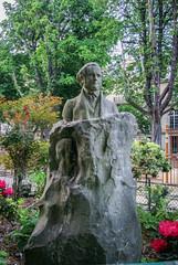 Statute of Horace Wells (maxfisher) Tags: paris16earrondissement îledefrance france