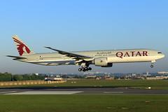 Qatar Airways  Boeing 777-3DZ(ER) A7-BEE (widebodies) Tags: brussels brüssel bru ebbr widebody widebodies plane aircraft flughafen airport flugzeug flugzeugbilder qatar airways boeing 7773dzer a7bee