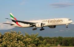 Emirates Airline EK83. A6-EQK. Boeing 777-31H(ER). (Themarcogoon49) Tags: emirates boeing b777 aircraft landing gva lsgg cointrin airport planespotting golden hour switzerland avgeek aviation