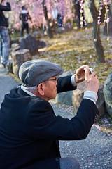 Old man : a photo (Christophe-la) Tags: jonangu plumtree flower 梅の花 梅 花 elderly people personneagée