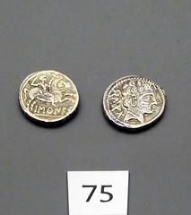 monedas antiguas As de Baskunes Edad de Hierro Museo de Navarra Pamplona 01 (Rafael Gomez - http://micamara.es) Tags: monedas antiguas as de baskunes edad hierro museo navarra pamplona