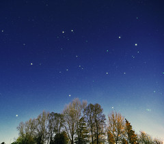 Backyard sighs (Robyn Hooz (away)) Tags: stelle padova urbano cielo sky tamron auriga gemini gemelli west ovest astronomy zodiac sign segni
