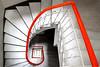 Un ricciolo ribelle (meghimeg) Tags: 2018 sanremo scala stairs gradini step rosso red rot royo
