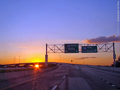 Sunset on I-35 flyover ramp, 31 May 2018 (photography.by.ROEVER) Tags: kansas johnsoncounty joco kcmetro lenexa drive driver driving driverpic ontheroad road highway freeway interstate interstate35 i35 ramp exit interchange flyover onramp i435 interstate435 johnsoncountygateway evening sunset sunsetting may 2018 may2018 usa