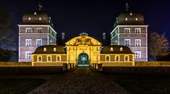 Schloss Ahaus (st.weber71) Tags: schlossahaus ahaus schloss nikon nrw nightshot nachts nightlights nachtfotografie nacht nachtaufnahme night langzeitbelichtung lzb lichter germany gebäude architektur illumination deutschland d850 münsterland beleuchtung tamron tamron1530f28