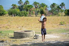 Rupununi #51 (*Amanda Richards) Tags: rupununi regionnine guyana 2018 well water fetchingwater wellwater boy