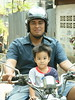 handsome big guy with son (the foreign photographer - ฝรั่งถ่) Tags: big handsome guy motorcycle son khlong thanon portraits bangkhen bangkok thailand canon