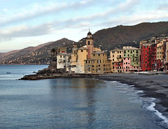 Camogli (Jolivillage) Tags: jolivillage village ville città borgo camogli ligurie liguria italie italia italy europe europa mer mare sea église chiesa church eau acqua water picturesque geotagged