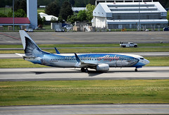 Alaska Airlines Boeing 737-890(WL) (zfwaviation) Tags: kpdx pdx portland oregon or airport aviation airplanes planes plane n559as alaska airlines salmon thirty seven wild special livery paint