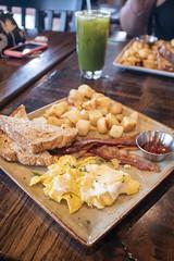 IMG_8703 (fabianamsolano) Tags: extra breakfast first watch pancakes eggs bacon food yummy friends friendship fun jar juice yellow couple